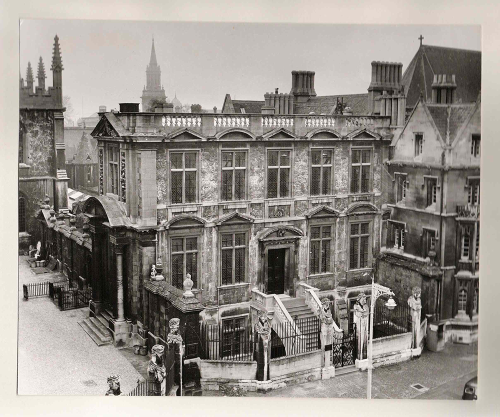 The front of the Museum taken from across the street in the 1960s. The main feature is the new steps running from the door to Broad Street. They are paler and cleaner than the rest of the building