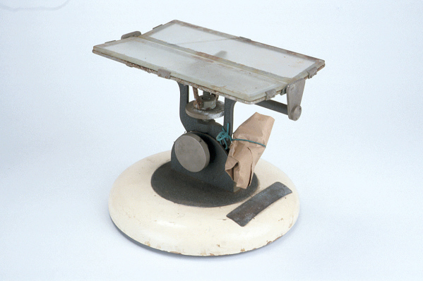 Rat Operating Table, Mid-20th Century (Inv. 47402). This would have been used for similar dissections to the one Jessica's saw.