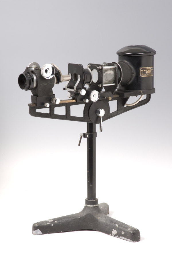 Projection Microscope, 1930s (Inv. 67914) 80 years ago this projector would have been used to project the image from microscope slides.